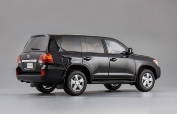 TOYOTA Land Cruiser 200, black