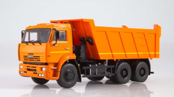 Камский грузовик 6520 самосвал, оранжевый