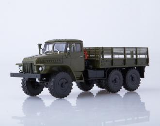 Уральский грузовик 375Д, хаки