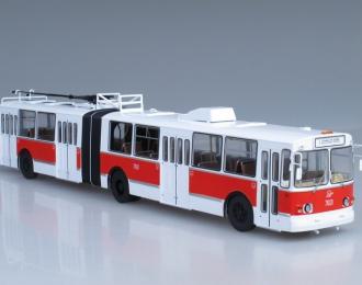 ЗИУ 10 (ЗИУ-683) троллейбус, красно-белый