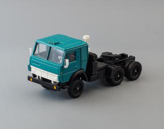 Камский грузовик 5410 седельный тягач, зеленый / черный