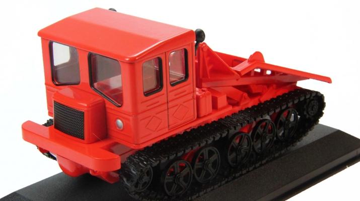 ТДТ-60, Тракторы 26, красный