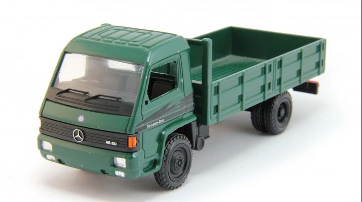 MERCEDES-BENZ MB 800 LKW, dark green
