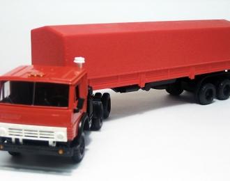 КАМАЗ 5410 с полуприцепом и тентом, красный