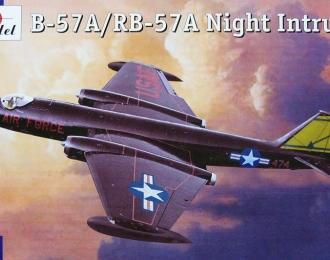 Сборная модель Американский разведывательный самолет Martin B-57A / RB-57A Canberra
