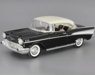 CHEVROLET Bel Air (1957), black / white