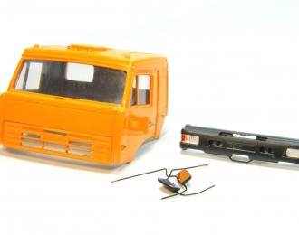 Спальная кабина для КАМАЗ (Евро-2, пластиковый бампер), ярко-оранжевый