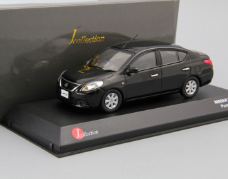 NISSAN Tiida / Latio, pure black