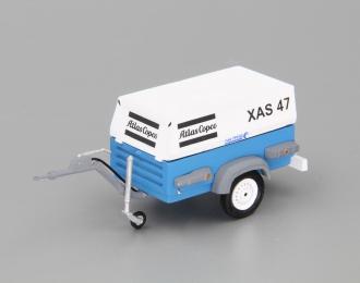Компрессор Atlas Copco XAS 47 (закрытый на прицепе),  белый / синий