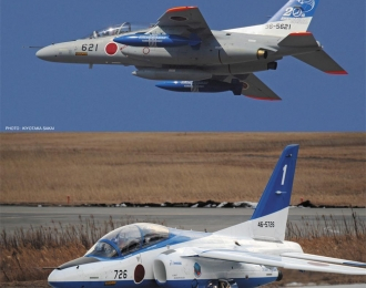 "Сборная модель Kawasaki T-4 ""11th SQ Blue Impulse 20th Anniversary"" (2 kits) Limited Edition"