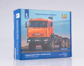 Сборная модель седельный тягач Камский грузовик 44108