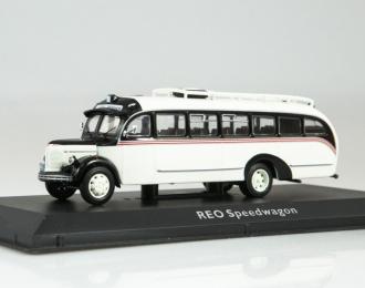 Автобус Reo Speedwagon (1946)