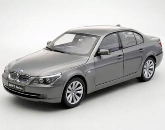 BMW 550i sedan facelift, grey