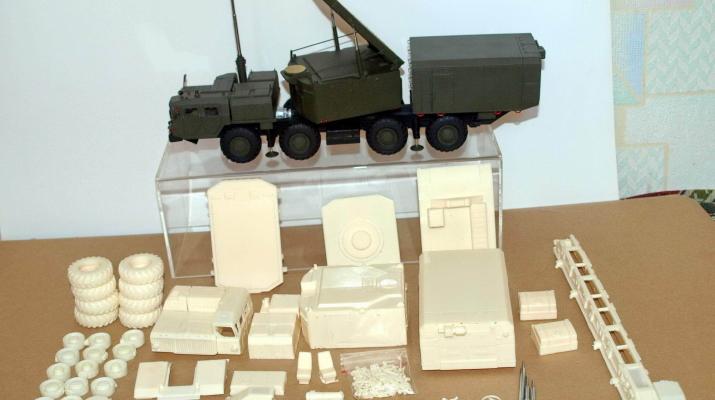 Сборная модель Радиолокатор подсветки и наведения РПН 30Н6Е ЗРС С-300 (на базе МАЗ-7410)