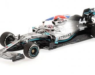 MERCEDES-AMG PETRONAS MOTORSPORT F1 W10 EQ POWER+ - LEWIS HAMILTON W. FLAG - WINNER BRITISH GP 2019