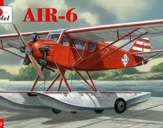 Сборная модель Советский лёгкий многоцелевой самолёт АИР-6 на поплавковом шасси