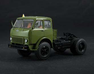МАЗ-504 седельный тягач хаки