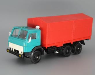 КАМАЗ 5320 с тентом, зеленый / красный