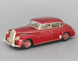 """MERCEDES-BENZ 300 Limousine W186 """"Adenauer"""" (1951-1954), dark red"""