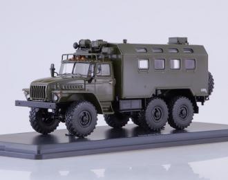 Уральский грузовик 4320 с КУНГом, хаки