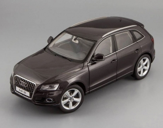 AUDI Q5 Facelift  with sun-roof (2013), lava grey