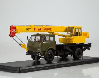 Автокран КС-3577 (5334), хаки / желтый