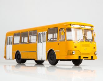 (Уценка!) Ликинский автобус 677М городской, оранжевый