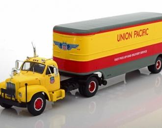 "MACK B61 с полуприцепом ""Union Pacific"" 1955 Light Yellow/Red/Grey"