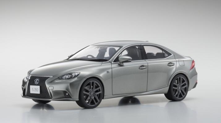 Lexus IS F Sport (gray)