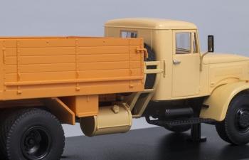 КРАЗ 257Б1 бортовой гражданский, бежевый с оранжевым