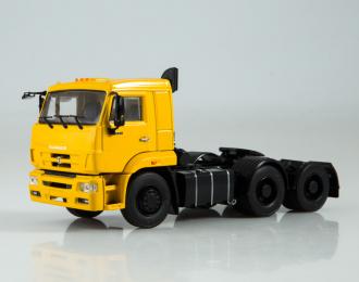 КАМАЗ-6460 седельный тягач, желтый