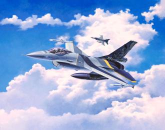 """Сборная модель Американский лёгкий истребитель F-16 MLU """"100th Anniversary"""""""