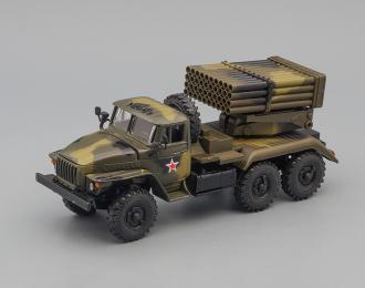 """БМ-21 """"Град"""" (Уральский грузовик 4320), темно-зеленый"""