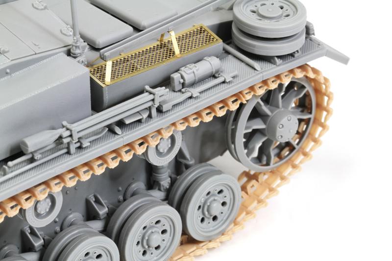 DRAGON 6834-10.5 cm StuH.42 Ausf.E//F 1//35 Model Kit