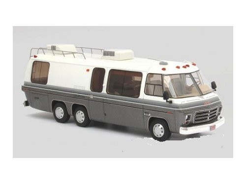 GMC Motorhome (кемпер) 1976 White/Metallic Grey