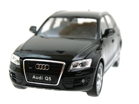 AUDI Q5 на радуоправлении с аккумулятором, black